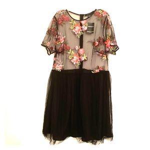 Plus size Floral Mesh Dress